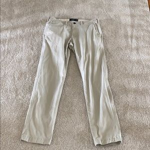 Abercrombie and Fitch khaki pant 30x32 like new
